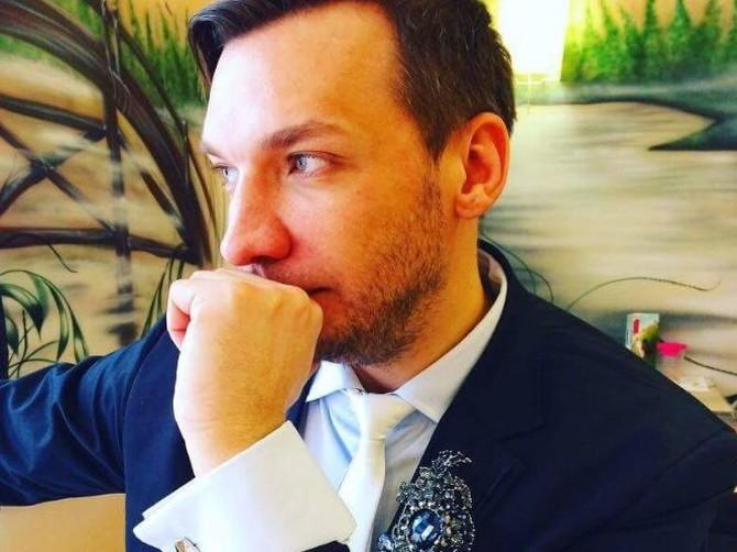 Брянский стилист Валерий Тигров срочно ищет модель