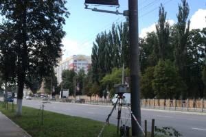 В Брянске на проспекте Московском за столбом спрятали камеру
