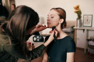 Брянских девушек пригласили на мастер-классы красоты