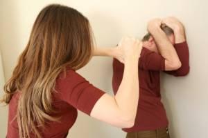 Жительница Новозыбкова разбила мужу голову стеклянной кружкой