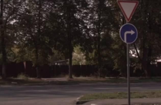В Брянске жителей новостроек по 22 Съезда КПСС лишили комфортного выезда со двора