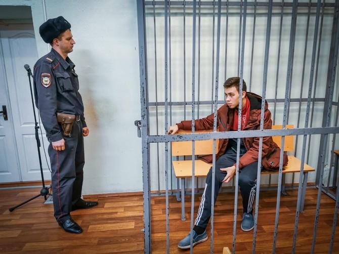 В Брянске мать виновника ДТП на Речной просит отправить его под домашний арест