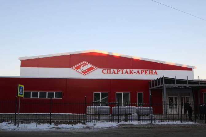 В Брянске спорткомплекс «Спартак-Арена» с бассейном готов на 90%