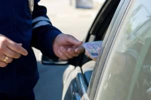 В Клинцах пойманный пьяным за рулем белорус попытался дать взятку гаишникам