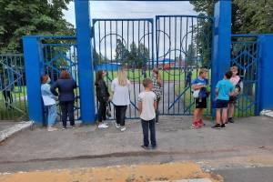 В Жуковке на матче открытия областного чемпионата болельщиков выгнали со стадиона
