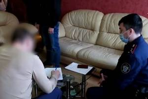 Появилось видео задержания брянского депутата за секс со школьницей