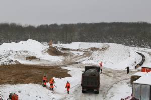 В Брянске на дороге между Фокинским и Володарским районами начали строить вторую дамбу