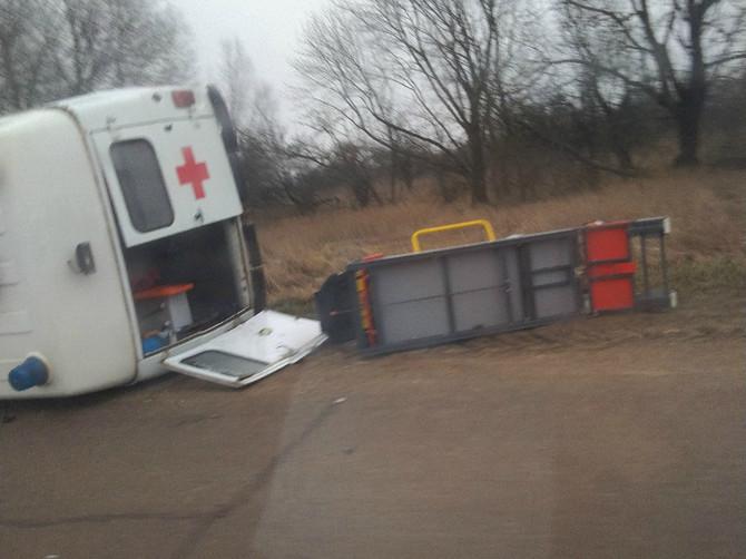 На трассе в Жирятинском районе перевернулась скорая помощь