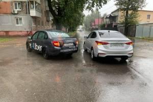В Брянске ищут свидетелей ДТП такси Uber и Hyundai