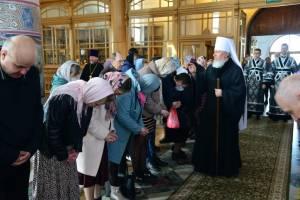 Брянский митрополит в Кафедральном соборе совершил вечернюю литургию