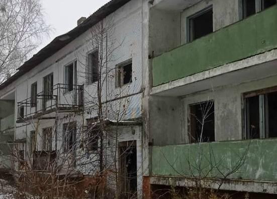 В брянском селе Салтановка дети устроили смертельные игры на «заброшке»