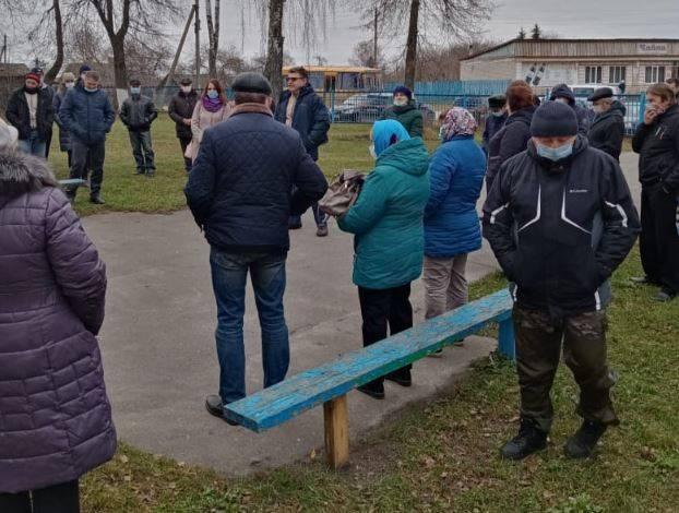 В Брянской области люди взбунтовались против свинарников «Мираторга»