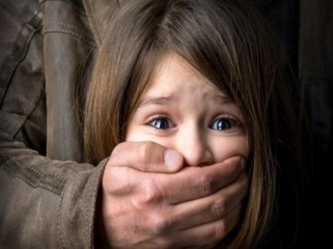В Унече сообщили о домогательствах старого педофила к школьнице
