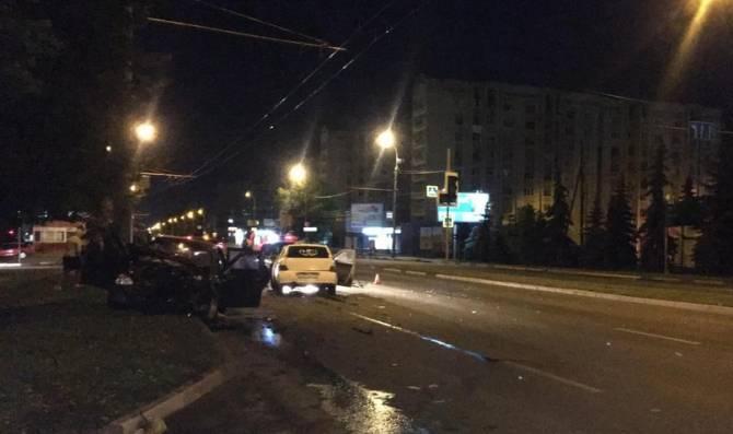 В ДТП на проспекте Московском в Брянске тяжело ранен 20-летний парень