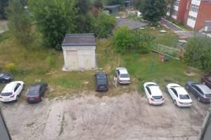Жители брянского поселка Белые Берега пожаловались на отсутствие детских площадок