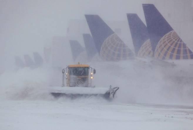 Из-за метели в Брянске задержаны самолеты из Краснодара и Минеральных Вод
