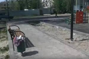 В Брянске построили опасную для детей площадку