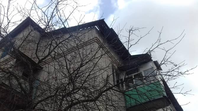 В Новозыбкове многодетная семья замерзает в сырой муниципальной квартире