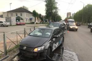 В Брянске по вине таксиста разбил лоб его 24-летний пассажир