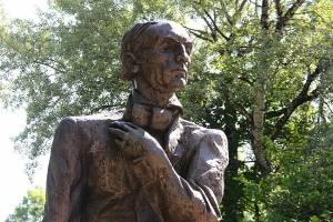 На Брянщине День поэзии отметят в режиме онлайн