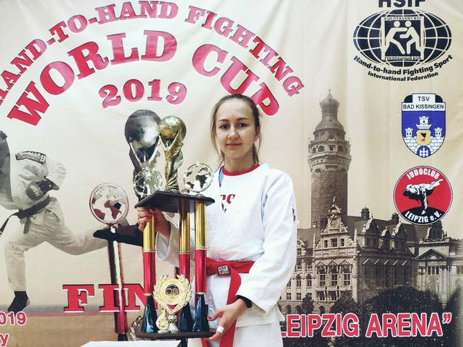 Брянская студентка победила на Кубке мира по рукопашному бою