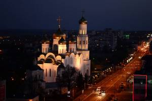 Брянцев пригласили на вечернюю прогулку по парку Толстого