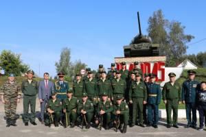 В Клинцах военные отметили День танкиста