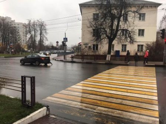 В Брянске 2 человека пострадали в аварии на улице Дуки