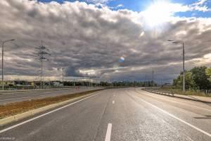 В Брянске сняли на фото фантастическое небо и готовую к открытию дорогу