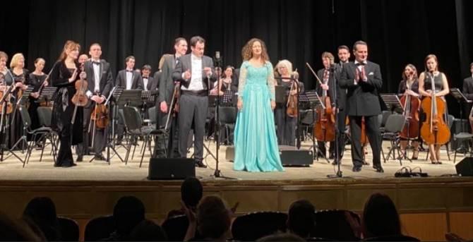 В Брянске сербка Мария Йелич спела «Катюшу» с симфоническим оркестром