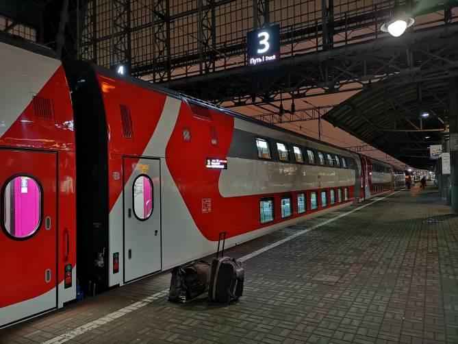Брянец испытал обонятельный экстаз в новом двухэтажном поезде