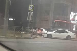В Брянске возле Автовокзала не разъехались легковушки