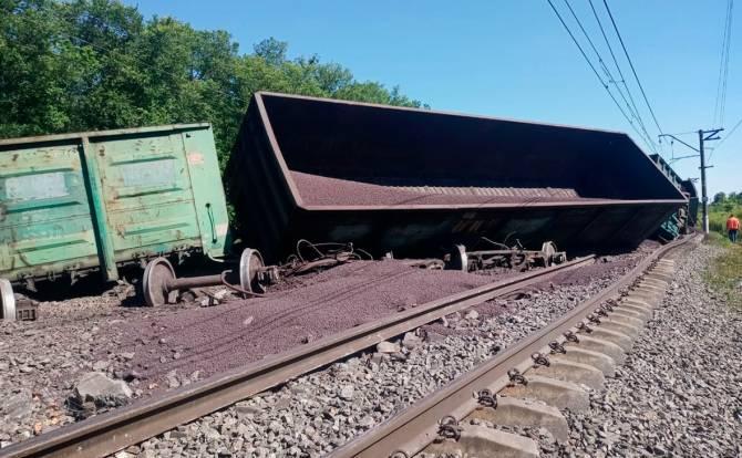 Из-за аварии под Тулой поезда временно пустили через Брянск