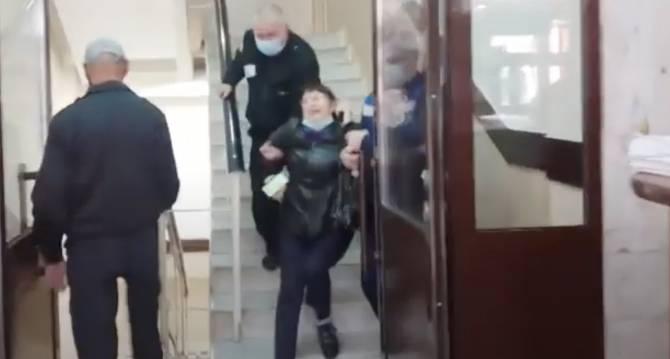 Брянская активистка Жильникова устроила скандал в горадминистрации