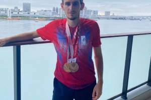 Брянец Артем Калашян взял бронзу на Паралимпиаде в Токио