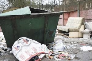В Брянске прокуратура потребовала дооборудовать контейнерные площадки