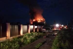 Страшный пожар потушили в брянском поселке Чайковичи