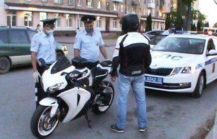 В Брянске оштрафовали 42 маршрутчика и 40 байкеров