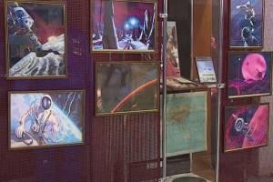 Брянцев пригласили на выставку картин космонавта Леонова