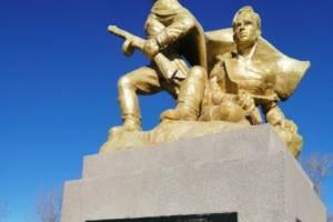 В городе Фокино вандалы изуродовали памятник воинам-освободителям