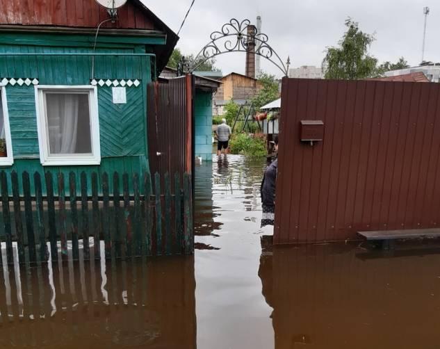 В Брянске на улице Унечской случился потоп