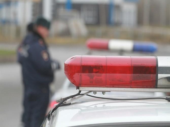 В Брянске объявили в розыск сбившего женщину с ребенком водителя Джипа