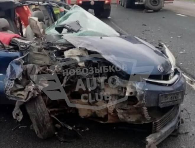 Брянские парень и девушка погибли в страшной аварии под Новгородом
