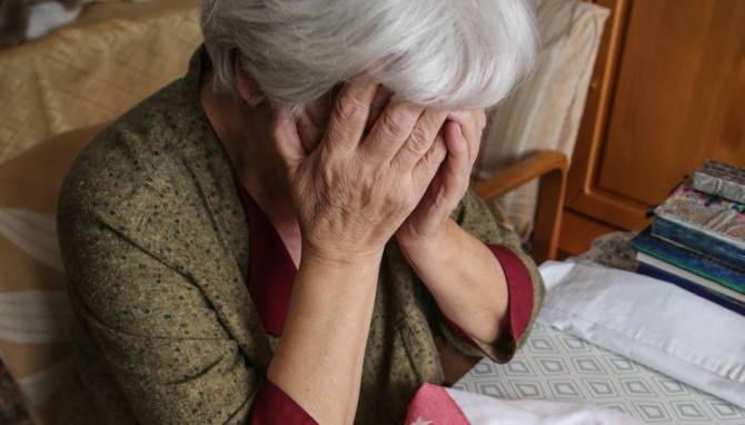 В Клинцах 31-летняя воровка украла у пенсионерки 70 тысяч рублей