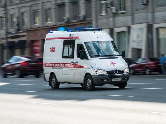 В Брянске водитель Renault отправил 84-летнего пенсионера-нарушителя в больницу