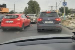 В Брянске рядом с ТРЦ «Аэропарк» столкнулись два автомобиля