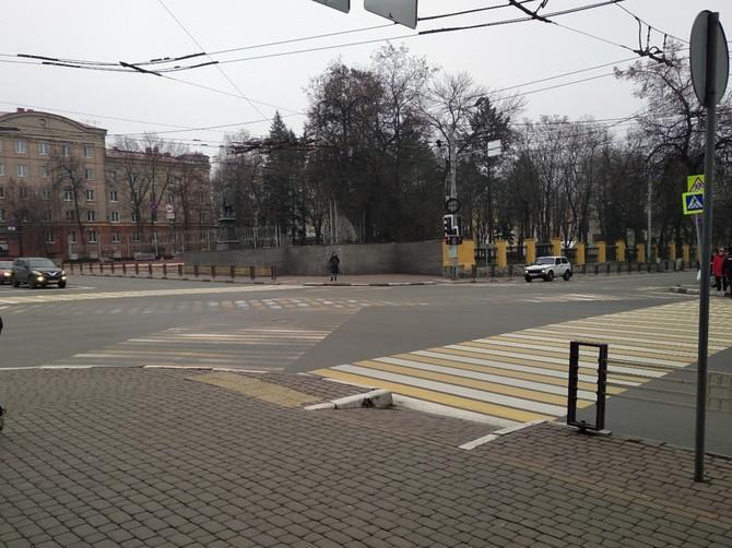 В Брянске испарился «диагональный» пешеходный переход возле ЦУМа