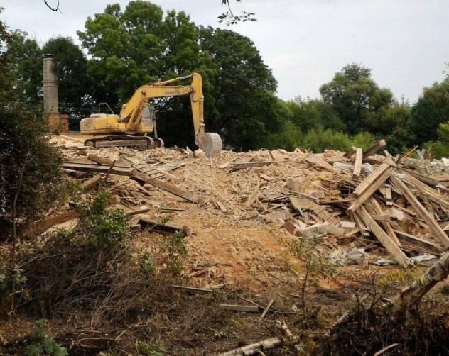 Суд обязал брянскую бизнес-леди восстановить разрушенный особняк Баженова