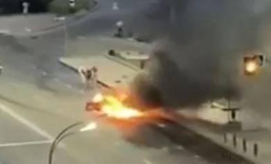 В Брянске сняли на видео помощь пострадавшему в ДТП водителю Alfa Romeo