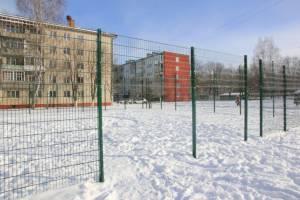 В Клинцах чиновники отобрали у детей футбольное поле